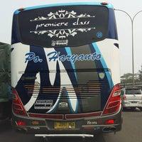 Photo taken at Jalan Tol Lingkar Luar Jakarta Seksi W2 Selatan (JORR W2 S) by Arie B. on 10/24/2015