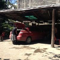 Photo taken at speedy carwash by Dhi Ar V. on 11/27/2012