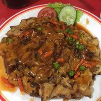 Photo taken at Bakmi Ayam & Chinese Food AKAI by Christine P. on 12/27/2016
