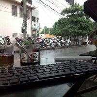 Photo taken at Café Cây Bàng Đổ by Dat N. on 7/26/2014