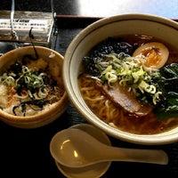 Photo taken at あごだし麺 五島軒 by ウニオ on 10/5/2012