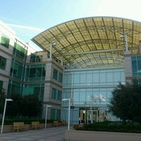 Photo taken at Apple Inc. by Norihito T. on 3/17/2013