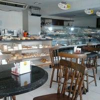 Photo taken at Boulangerie Casa de Pães by Marcos V. on 11/28/2012