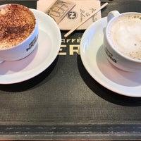 Photo taken at Caffé Nero by Düşlem Gülşah Y. on 11/1/2017