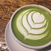Foto diambil di Alchemy Coffee oleh Jenn Y. pada 11/27/2016