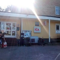 Photo taken at ICA Skutan by Andreas S. on 7/24/2014