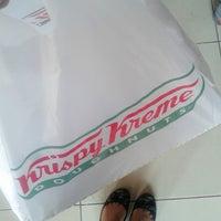 Photo taken at Krispy Kreme Doughnuts by Kejozzz Y. on 6/1/2013