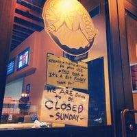 12/15/2013 tarihinde Paul B.ziyaretçi tarafından Voodoo Doughnut Mile High'de çekilen fotoğraf