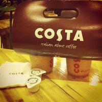 Photo taken at Costa Coffee (咖世家) by Yue Z. on 11/17/2012
