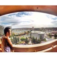 Photo taken at San Diego Marriott La Jolla by Thuan H. on 3/2/2014