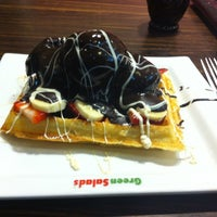 Photo taken at Green Salads by Yiğit on 12/3/2012