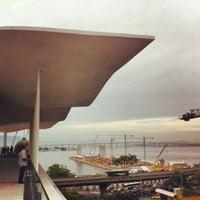Foto tirada no(a) Museu de Arte do Rio (MAR) por Silvana M. em 5/31/2013