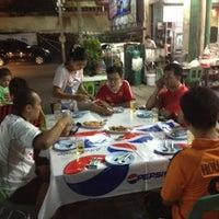 Photo taken at ร้านอาหาร แต้เม่งหลี (แปะตี๋) by ใครใครก็เรียก on 2/4/2013
