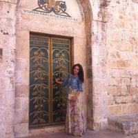 Photo taken at Inbal Hotel Jerusalem / מלון ענבל ירושלים by Dina N. on 3/28/2013