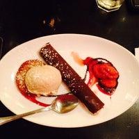 Foto scattata a Café Bonaparte da Lily il 8/17/2014