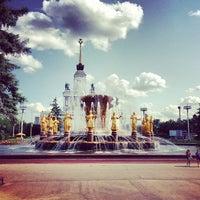 Снимок сделан в ВДНХ (Выставка достижений народного хозяйства) пользователем Igor 7/10/2013