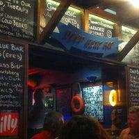 9/19/2012 tarihinde Serkan U.ziyaretçi tarafından Deep Blue Bar'de çekilen fotoğraf