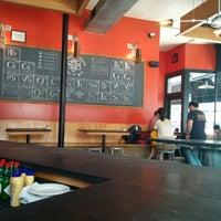 6/29/2014에 Vernon L.님이 Miracle of Science Bar & Grill에서 찍은 사진
