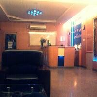 Photo taken at Lovina Inn Penuin by Fame S. on 2/21/2013