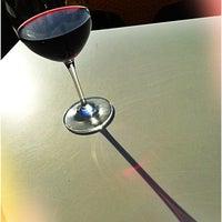 4/24/2013 tarihinde Charmaine V.ziyaretçi tarafından 694 Wine & Spirits'de çekilen fotoğraf