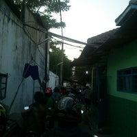 Photo taken at Tambangan Perahu by hari s. on 10/2/2013