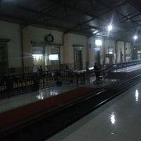 Photo taken at Sidoarjo Train Station/SDA/±4 m. dpl(indonesian railway /PT KAI) by hari s. on 2/8/2013