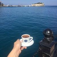 Foto tirada no(a) Cafe Port Bistro por Mavi D. em 5/11/2017