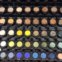 2/20/2014 tarihinde Nergisziyaretçi tarafından Mac Cosmetics'de çekilen fotoğraf
