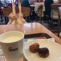 Photo taken at Mister Donut by みいちゃ on 3/11/2018