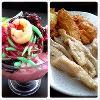Photo taken at Restoran Siti Corner by Ashley R. on 11/18/2013