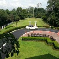 Photo taken at Carcosa Seri Negara by Joseph O. on 12/22/2012