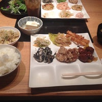 Photo taken at 旬菜創作バイキング 露菴 福山南蔵王店 by wender on 3/30/2014