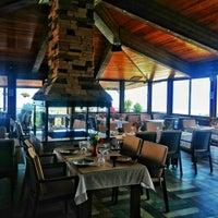 Foto scattata a Körfez Aşiyan Restaurant da Oğuzhan D. il 5/14/2015