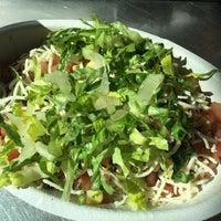 Das Foto wurde bei Chipotle Mexican Grill von James E. am 2/21/2017 aufgenommen