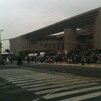 Photo taken at Palacio de Justicia Federal by Fer-do on 3/15/2013