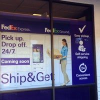 Photo taken at FedEx Office Print & Ship Center by Tonie B. on 10/29/2014