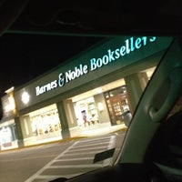 Photo taken at Barnes & Noble by Olga A. on 11/19/2012