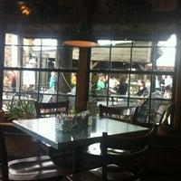 Das Foto wurde bei Ozona Grill & Bar von A R. am 4/7/2013 aufgenommen