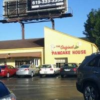 รูปภาพถ่ายที่ The Original Pancake House โดย Mandie S. เมื่อ 12/30/2012