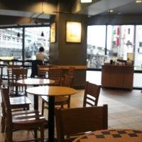 Photo taken at Starbucks by Satoshi T. on 4/18/2013