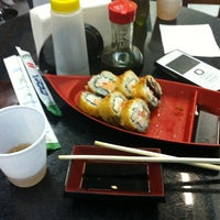 Photo taken at Sushi Redentor by Giordano Bruno on 9/27/2012