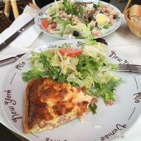 Photo taken at Café le Soufflot by Vian's on 7/14/2014