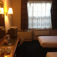 Photo taken at Travelodge London Kings Cross by Mohd G. on 12/15/2012