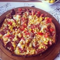Foto tomada en Pizza Uno por Oğuz Ö. el 6/6/2013