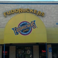 Photo taken at Fuddruckers by Gustavo S. on 5/12/2013