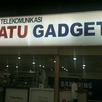 Photo taken at 1G-Satu Gadget Dot Com by Hazrafi on 2/3/2013