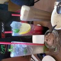 Photo taken at Pizza Hut by ili m. on 11/9/2012