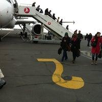 1/21/2013 tarihinde Çağrı Ç.ziyaretçi tarafından Kars Harakani Havalimanı (KSY)'de çekilen fotoğraf