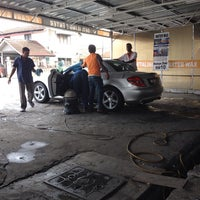 Photo taken at Enggang Car Wash by Saiful Nizam D. on 11/19/2013