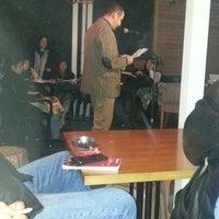 11/24/2012 tarihinde Sakirziyaretçi tarafından Cafe 12'de çekilen fotoğraf